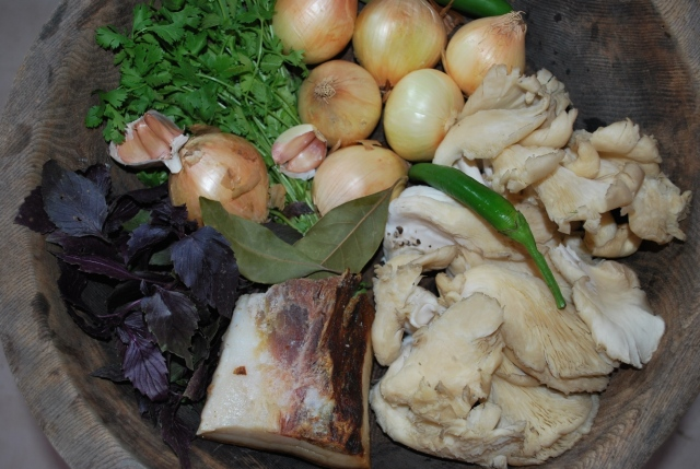 Ingredients for Oyster Mushrooms with Rachuli Bacon