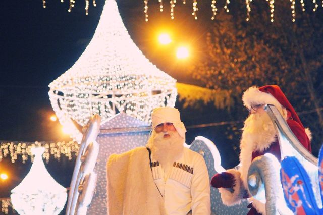Tovlis Babua and Santa Claus in Tbilisi