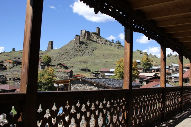 "Guesthouse ""Shina"" has impressive views of the medieval fortress of Keselo"