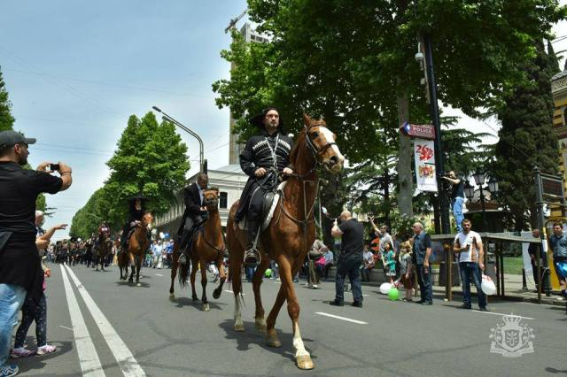 Riders parading on Rustaveli Avenue in Tbilisi on Independence Day. Photo courtesy of Government of Georgia
