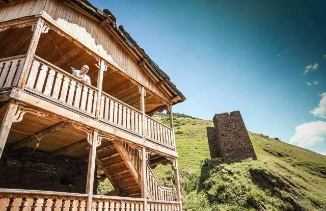 Restoration of vernacular buildings in Dartlo
