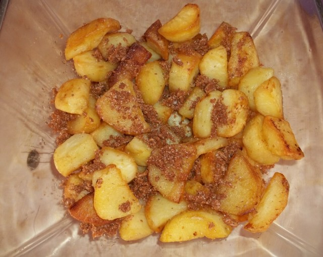Add the Svanetian Salt to the fried potatoes - Copy