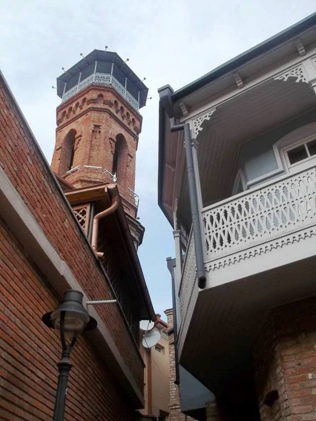 The minaret of the mosque in Tbilisi's Old Town District. Photo by Georgia About