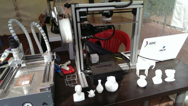 A 3D printer made by students on display at the Scientific Picnic at Vake Park in Tbilisi