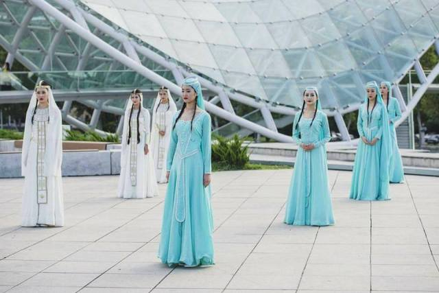 Miss Chinese Cosmos Pageant photo shoot at Tbilisi's Bridge of Peace