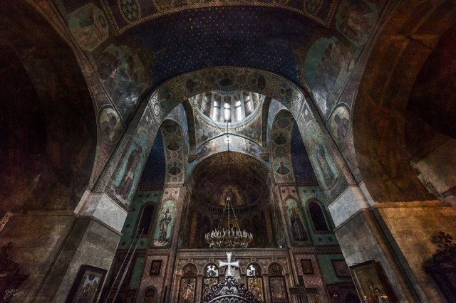 Interior of the Sioni Cathedral of the Dormition in Tbilisi. Photo by Pablo Ferrari.